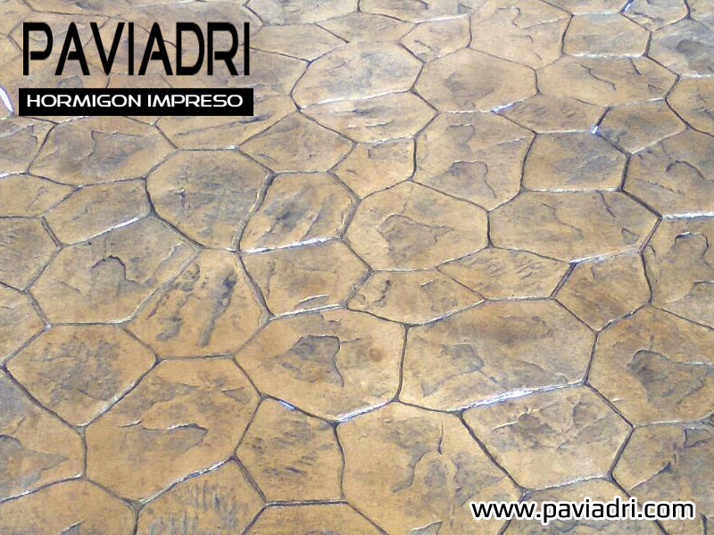 hormigon impreso con textura de piedra Gandia