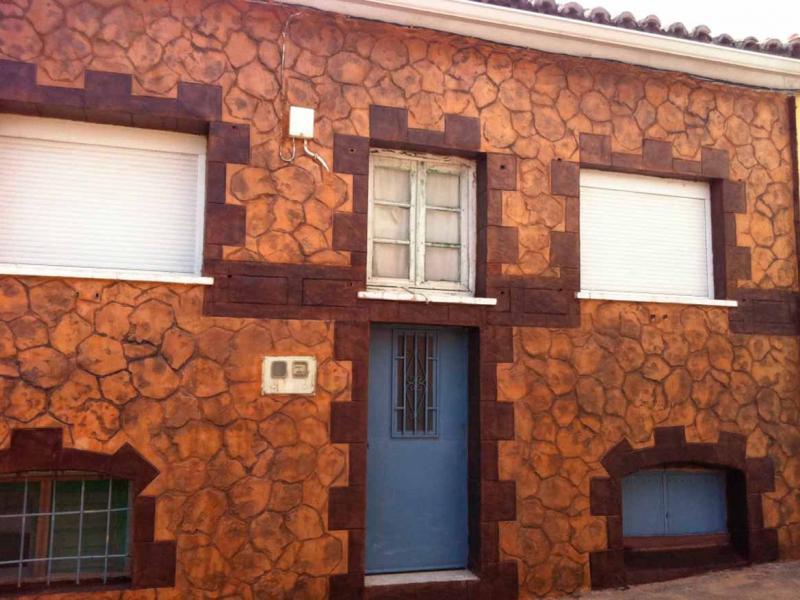 Hormigon impreso fachada de chalet Oropesa