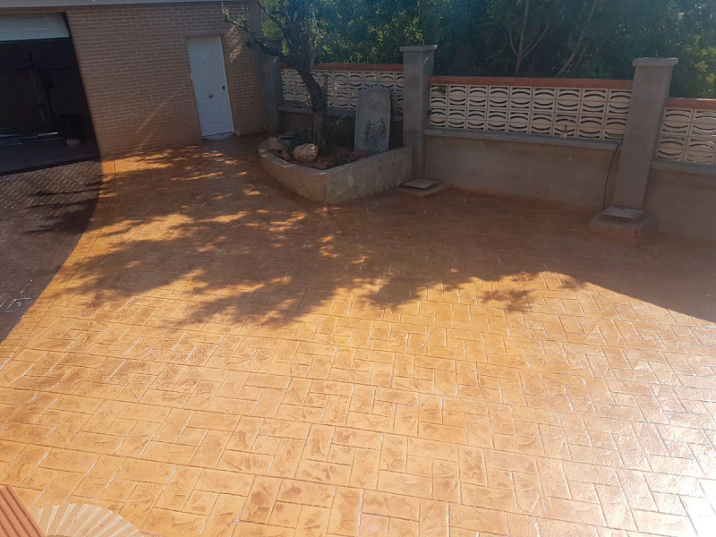 HORMIGON PATIO CHALET Montroy